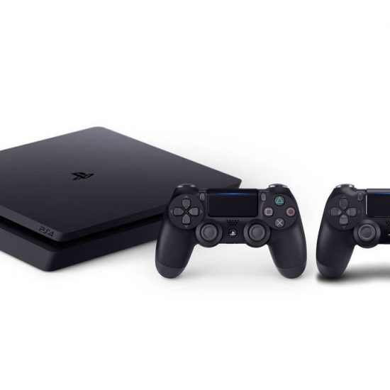 PS4 Slim 500GB 2x controller